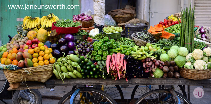 street market of fruit and veg, making better food choices